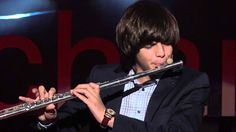 Connect your sound system and turn up that bass, because this flute beatboxing will leave you breathless. Cosmin Cioca, this otherwise shy young man, shows o. Romanian Men, Instruments Of The Orchestra, Music Competition, You Sound, Ten Minutes, Fb Page, Guy Names, Classical Music, Young Man