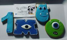 Una de las ordenes de hoy! #monsterinc 2 docenas. ☺ 🍪😍❤💙😀 #mycookiecreations #inlove #monsterscookies #monsters #disney #disneycookies