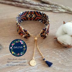Aucune description de photo disponible. Macrame Bracelets, Tassel Necklace, Bracelet Tutorial, Jewelry Design, Unique Jewelry, Brick Stitch, Loom Beading, Beaded Flowers, Clay Jewelry