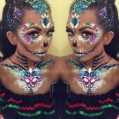 . #glitter #makeup #glittermakeup #mua #makeupartist #glitterpigment #pigments #glitters #beautyblogger #contour #festival #festivalmakeup #festivalfashion #holiday #festivalseason #celebrate #beauty #mermaid #unicorn #mermaidlook #mermaidhair #glitteroverload