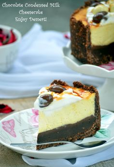 Cheesecake with condensed milk and chocolate. Condensed Milk, Something Sweet, Sin Gluten, Cheesecakes, Fun Desserts, Sweet Recipes, Biscuit, Caramel, Goodies