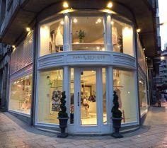 Pablo Enrique, tu boutique de moda en Ourense, puedes encontrarnos en Rúa Valle Inclán, 10. Más información e imágenes en la web. http://pabloenrique.es/