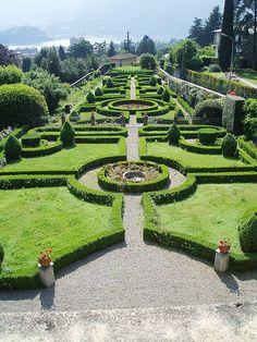 Lecco Villa Bellemo il giardino all'italiana | archi Lecco | Flickr