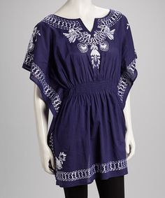 From farmers markets to family picnics, this breezy bohemian number is the perfect piece for laid-back days. Boasting enchanting embroidery, captivating cape sleeves and a flattering shirred waist, this tantalizing tunic brings easy elegance to casual agendas.