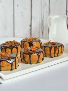 The flavours of kitchen: DULCE DE LECHE MINI CHEESECAKES WITH CHOCOLATE GAN...