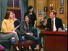 The Breeders - Divine Hammer (on Late Night With Conan O'Brien 1993)