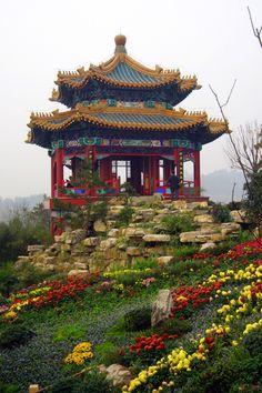 Garden at Chongqing, China Tibet, Places Around The World, Travel Around The World, Around The Worlds, Wonderful Places, Beautiful Places, Places To Travel, Places To Go, Taj Mahal