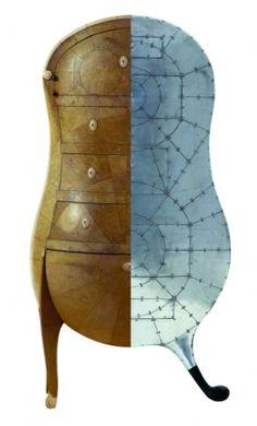 Montage de 2 pièces de mobilier André Groult et Marc Newson Chiffonnier anthropomorphe, 1925 Musée des Arts Décoratifs, Paris © Succession André Groult / Adagp, Paris 2007 / Marc Newson, Pod of drawers, 1987 – Galerie Kréo, Paris. © Courtesy Galerie Kréo - Marc Newson 2007