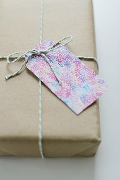 Printable Gift Tags (via Fellow Fellow)