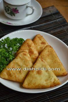Diah Didi's Kitchen: Risoles Ragout Ayam Segitiga