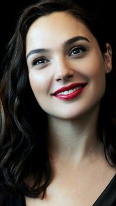 We Are All Made of Stars - Women Beautiful Celebrities, Beautiful Actresses, Gal Gardot, Gal Gadot Wonder Woman, Woman Face, Hollywood Actresses, Pretty Woman, Celebs, Beauty