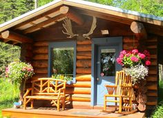 Authentic log cabin rentals - accommodations in beautiful Hatcher Pass, Alaska