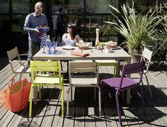 Mobilier d'extérieur en aluminium et en couleurs | Oléron, Fermob. #zumadesign #zumainteriors