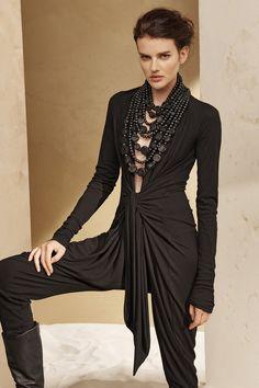Urban Zen Fall 2016 Ready-to-Wear Collection Photos - Vogue