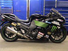 Image from http://www.psychobike.com/forums/attachments/motorcycles-sale-open/75023d1311429770-super-sport-kawasaki-zx14-sale-zx14.jpg.