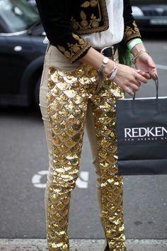 B O H E M I A N ☮ ❁ ғollow ↠ @ladyѕcorpιo101 ↞ on pιnтereѕт & ιnѕтagraм ғor мore ιnѕpιraтιon ☪ ☆ Mermaid gold sequin pants! So pretty!! What a fashion statement.