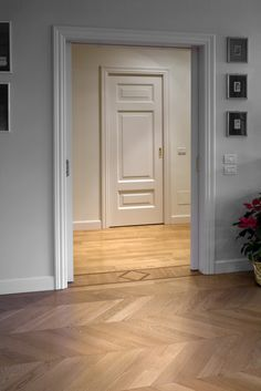 Parquet. but also door frame and wall colour