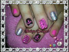 Ancoras e zebra rosa!