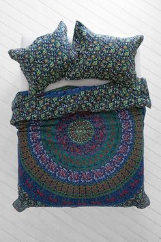 Magical Thinking Blue Green Medallion Duvet Cover - Urban Outfitters