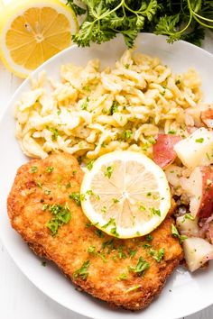 Granny's German Schnitzel This Authentic German Schnitzel Recipe has been passed down for generations. Use this same method for pork schnitzel, veal schnitzel (weiner schnitzel), or chicken schnitzel. Wiener Schnitzel, Veal Schnitzel, Chicken Schnitzel, Schnitzel Recipes, Veal Recipes, Chicken Recipes, Authentic German Schnitzel Recipe, German Meat, Pork Cutlets