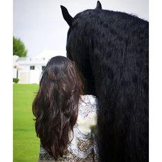 Maryam bint Mohammed bin Rashid Al Maktoum (1ª), 10/12/2015. Vía: maryam_mrm