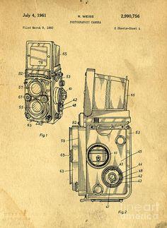 Medium Drawing - Rolleiflex Medium Format Twin Lens Reflex Tlr Patent by Edward Fielding