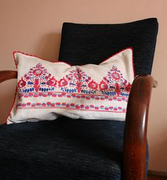 Embroidered pillow Vintage pillowcase Linen embroidered