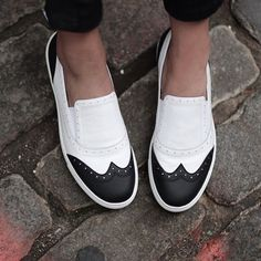 Style tip: add a bold pop to your look with our cool black and white Kline slip-on sneakers. (refurbish your own shoes with paint) Cute Shoes, Me Too Shoes, Shoe Boots, Shoes Sandals, Flat Sandals, Style Outfits, Shopper, Crazy Shoes, Slip On Sneakers