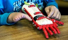 High school wizkid makes 3D printed prosthetic hand for 9-year old child
