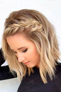 Medium Length Hairstyles With Side Braid #blondehair #braidedhairstyles ★ Love medium layered haircuts? Lots of ideas for thin and thin hair, styles for straight and curly hair texture, trending hairstyles with bangs and many inspo cuts are here! #glaminati #lifestyle #mediumlengthlayeredhaircuts