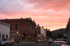 Spend the evening in historic Jacksonville, Oregon. Delicious food options, including wine await you in this cozy little town. Crater Lake National Park, National Parks, Jacksonville Oregon, Oregon Trail, Pacific Northwest, North West, Delicious Food, Southern