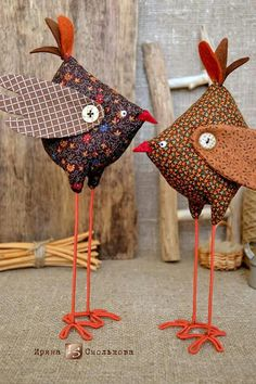 Tall skinny long legged birds to make -- comical Sewing Art, Sewing Toys, Sewing Crafts, Sewing Projects, Fabric Animals, Fabric Birds, Fabric Toys, Fabric Crafts, Crazy Toys