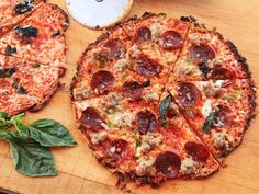 Use your cast iron pan and a tortilla to make world class Bar-style pizza in under 12 minutes. (Corn tortilla for gluten free pizza) Iron Skillet Recipes, Cast Iron Recipes, Skillet Meals, Cast Iron Skillet Pizza, Cast Iron Griddle, Tortilla Pizza, Tortilla Recipe, Serious Eats, Crispy Pizza