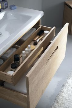 Meuble salle de bain en bois, blanc, lavabo design, vasque… Smooth, sawed or gouged facades for this interior furniture nicely … Diy Bathroom, Bathroom Interior, Bathroom Furniture, Laundry In Bathroom, Bathroom Storage, Storage, Gorgeous Bathroom, Bathroom Design, Bathroom Layout
