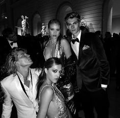 Essential Tips and Ideas – Black and White Photography Gossip Girl, Pretty Little Liars, White Aesthetic, Black N White, Friend Pictures, Celebs, Celebrities, Couple Photography, Black And White Photography