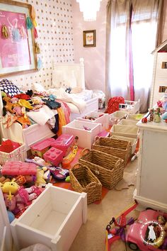 Kids Room Purging- great tips on how to purge, organize and clean this space!