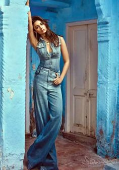 Denim jumpuit with chic earring look cool. Indian Bollywood Actress, Bollywood Fashion, Indian Actresses, Bollywood Style, Alia Bhatt Photoshoot, Indian Photoshoot, Chic Outfits, Fashion Outfits, Women's Fashion
