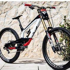 New bmx bike awesome ideas Mountain Biking Women, Best Mountain Bikes, Mountain Bike Trails, Downhill Bike, Mtb Bike, Bmx Bikes, Mtb Enduro, E Mtb, New Electric Bike