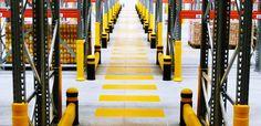 Protezioni e paracolpi antiurto per scaffalature industriali magazzino