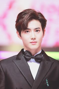 Discovered by 두이구. Find images and videos about exo, suho and black hair on We Heart It - the app to get lost in what you love. Kaisoo, Chanbaek, Exo Ot12, Baekhyun Chanyeol, Park Chanyeol, Jonghyun, Shinee, Kpop Exo, Exo Photoshoot