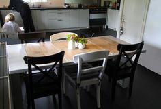 PostTafel. Een oude postbuskast krijgt een nieuw leven als (keuken)tafel.