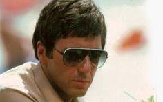 #paccino http://www.specsaddict.com.au/blog/wp-content/uploads/2012/05/Aviator-sunglasses-men-Scarface-Al-Pacino1.jpg