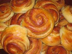 Kanelsnurrer med eple Sausage, Meat, Baking, Food, Bakken, Meals, Backen, Sausages, Yemek