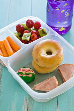 Travel Lunch Box for Kids packed in @easylunchboxes