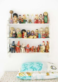 Kokeshi, Nesting Dolls, and Dalas by dottie angel Matryoshka Doll, Kokeshi Dolls, Dolls Dolls, Dottie Angel, Granny Chic, Wooden Dolls, Displaying Collections, Kitsch, Kids Room