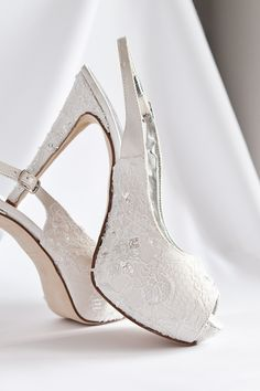 Discovered by Find images and videos about beautiful, beauty and shoes on We Heart It - the app to get lost in what you love. Wedding Shoes Bride, White Wedding Shoes, White Shoes, Lace Up Heels, High Heels, Sock Shoes, Shoe Boots, Peep Toe, Bridal Heels