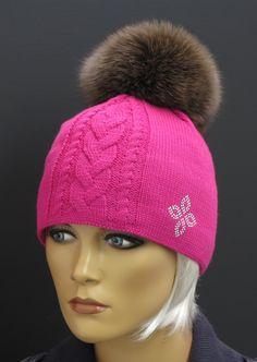 R Jet For You pletená čepice s kožešinovou bambulí Winter Hats, Knitting, Crochet, Fashion, Moda, Tricot, Fashion Styles, Breien, Stricken
