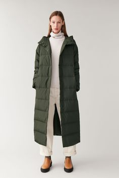 Embrace unpredictable weather with our selection of women's coats and jackets at COS. From raincoats and parkas to blazers, we've got you covered. Green Puffer Jacket, Long Puffer Coat, Puffer Coats, Khaki Jacket, Women's Coats, Womens Windbreaker, Windbreaker Jacket, Coats For Women, Jackets For Women