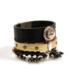 Zwarte leren armband breed met goud bruin met Swarovski, gecombineerd met kralen - gypsy stijl sieraden handgemaakt - boho stijl armband