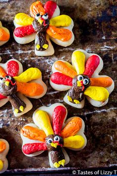 "Cut out sugar cookies with buttercream frosting are easy to decorate. Get the tutorial for these cute Turkey Cookies for Thanksgiving!"" srcset="